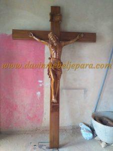 Salib Tuhan Yesus Katholik