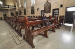 Bangku Jati Gereja Katholik