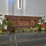 Meja Altar Gereja Katolik Ukiran Relief Perjamuan Suci