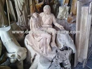 Patung La Pieta
