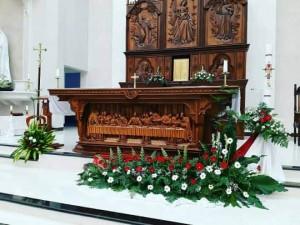 meja altar Gereja katolik st. eugenius de mazenod tanjung redeb