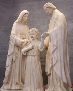 Patung Keluarga Kudus Ukiran Kayu Jati