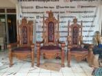 Satu Set Kursi Imam Gereja Katolik Yesus Kerahiman Ilahi Aeramo