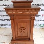 Mimbar Minimalis Salib Gereja
