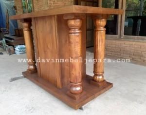 Meja Altar Davin