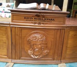 Altar Mimbar Podium Gereja Kristen