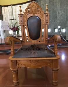 Kursi Imam Gereja Katholik Yogyakarta